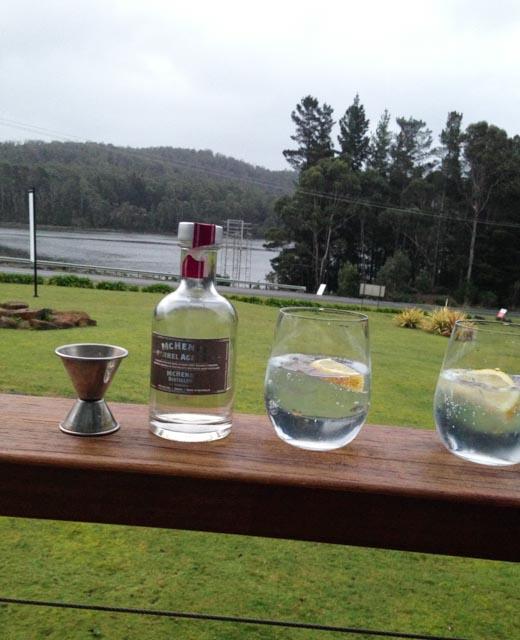 Mc Henrys Gin